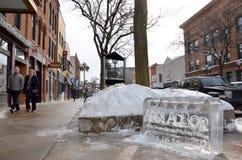 Is som snider i i stadens centrum Ann Arbor Arkivfoto