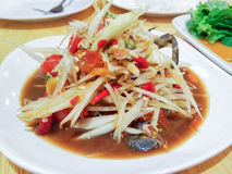 Som Tum Poo, thailändischer Papayasalat mit Krabbe Stockbilder