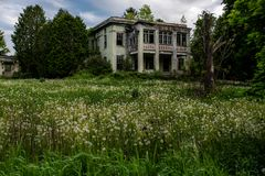 Sombere Middag - het Verlaten Allegheny-Armenhuis van de Provincie - New York stock afbeeldingen