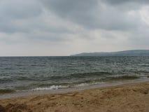 Sombere ochtend op de Zwarte Zee Stock Foto