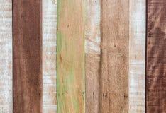 Sombere verkoolde houten omheining als achtergrond Royalty-vrije Stock Afbeeldingen