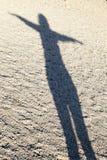 Sombra da mulher que executa a ioga Fotos de Stock Royalty Free
