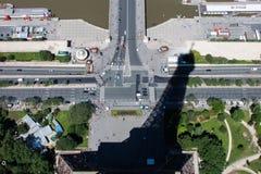 A sombra da torre Eiffel Fotografia de Stock Royalty Free