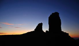 Sombra de Roque Nublo en el anochecer, Gran Canaria Fotografía de archivo
