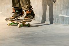Sombra de Skaers no concreto Fotos de Stock