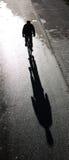 Sombra de un bicyclist Fotografía de archivo libre de regalías