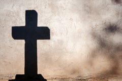 Sombra de una cruz Imágenes de archivo libres de regalías