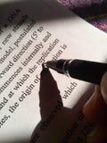 Sombra de una pluma foto de archivo libre de regalías