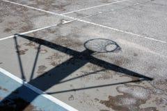 Sombra del aro de baloncesto Fotografía de archivo libre de regalías