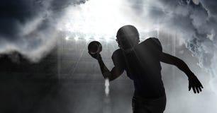 sombra del jugador de fútbol americano foto de archivo