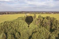 A sombra do balão e da natureza imagem de stock royalty free