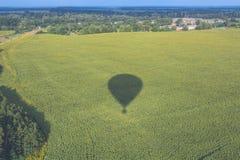 A sombra do balão e da natureza imagens de stock