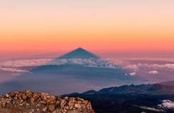 Sombra do vulcão de Teide tenerife spain fotos de stock