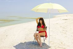 Sombra em uma praia quente. Foto de Stock Royalty Free