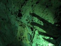 Sombra fantasmagórica de la mano imagenes de archivo