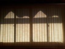 a sombra na janela foto de stock