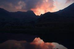 Sombra no lago vermelho Foto de Stock Royalty Free
