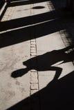 Sombras ao longo do corredor em Copenhaga foto de stock royalty free