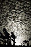 Sombras de la gente que camina en la Plaza Roja en Moscú Fotos de archivo libres de regalías