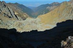 Sombras del canto de la montaña Imagen de archivo libre de regalías