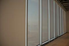 Sombras del edificio de oficinas de Windows Imagenes de archivo