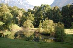 Sombras del lago de la montaña fotos de archivo libres de regalías