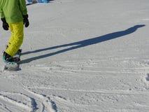 Sombras dos esquiadores na neve Fotos de Stock Royalty Free