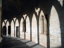 Sombras no claustro do castelo - 2 Imagens de Stock Royalty Free