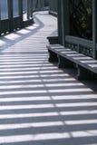 Sombras no corredor moderno foto de stock