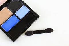 Sombreador de ojos y cepillo del sombreador de ojos Fotos de archivo libres de regalías