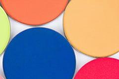 Sombreadores de ojos profesionales del color en gama de colores redonda Imagen de archivo