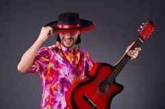 Sombreiro vestindo do homem Fotografia de Stock Royalty Free
