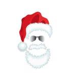 Sombrero, barba y vidrios rojos de Papá Noel. Foto de archivo libre de regalías