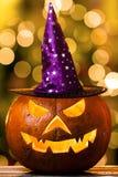 Sombrero brillante de la bruja de la calabaza fantasmagórica de Halloween Imágenes de archivo libres de regalías