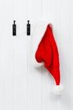 Sombrero colgante de Santa foto de archivo libre de regalías