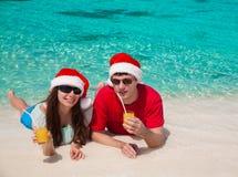 ¡Sombrero de la Navidad de Maldivas, del hombre y de la mujer! Imagen de archivo libre de regalías
