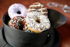Sombrero de la policía por completo de anillos de espuma Imagen de archivo
