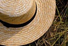 Sombrero de mimbre del granjero Imágenes de archivo libres de regalías