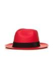 Sombrero de paja rojo aislado en blanco foto de archivo