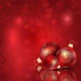 Sombrero de Papá Noel con las bolas del árbol Fotografía de archivo
