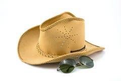 Sombrero de vaquero y gafas de sol Fotografía de archivo libre de regalías