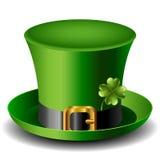 Sombrero del día de St Patrick con el trébol Imagen de archivo