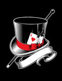 Sombrero del mago con el bastón, as de corazones y cinta stock de ilustración
