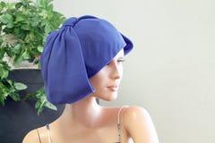 Sombrero del vintage en maniquí del vintage Imagen de archivo libre de regalías