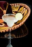 Sombrero e cocktail de Margarita fotografia de stock royalty free