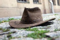 Sombrero en la calle Imágenes de archivo libres de regalías