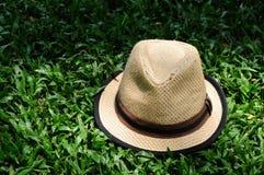 Sombrero en un patio oscuro encendido Fotografía de archivo libre de regalías