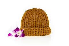 Sombrero hecho punto amarillo de las lanas Fotos de archivo libres de regalías