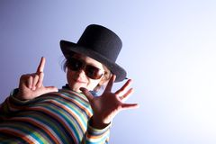Sombrero que desgasta del muchacho joven imagen de archivo libre de regalías