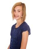 Sombrero que lleva de la chica joven feliz Fotografía de archivo